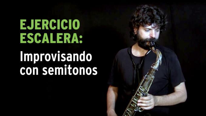 Ejercicio de improvisación con semitonos para saxo tenor